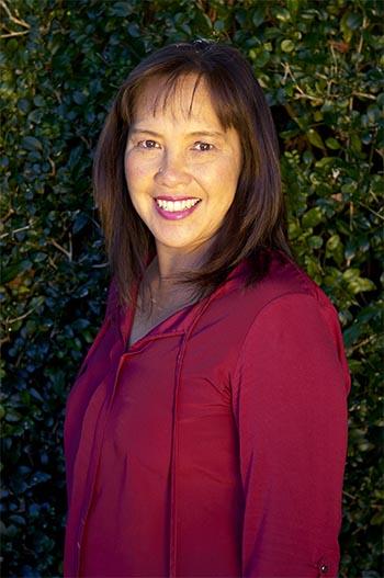 Dr Rowena Giard